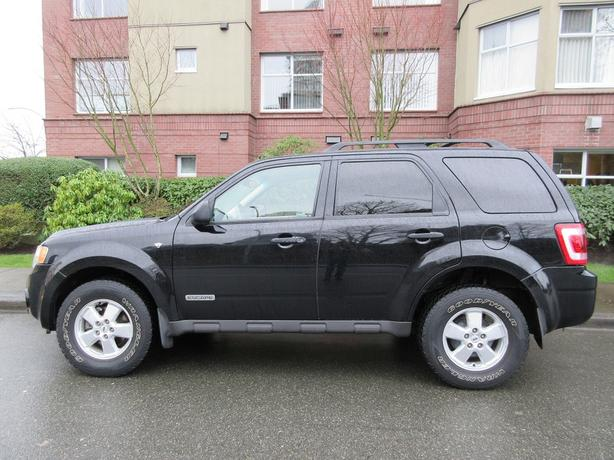 2008 Ford Escape XLT - ON SALE! - LEATHER SEATS!