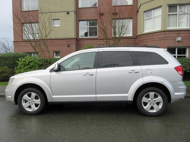 2010 Dodge Journey SXT - ON SALE! - 3RD ROW SEATING!