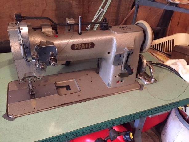 Pfaff 40 Heavy Duty Sewing Machine With Table In Excellent New Used Regina Sewing Machines