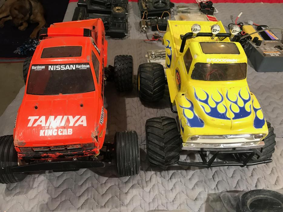 Tamiya Midnight Pumpkin And Nissan King Cab Extras East