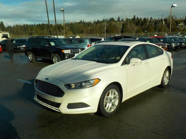 2014 Ford Fusion SE with Navigation