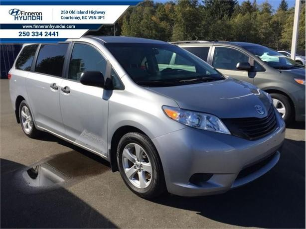 2015 Toyota Sienna 7 passenger  - local