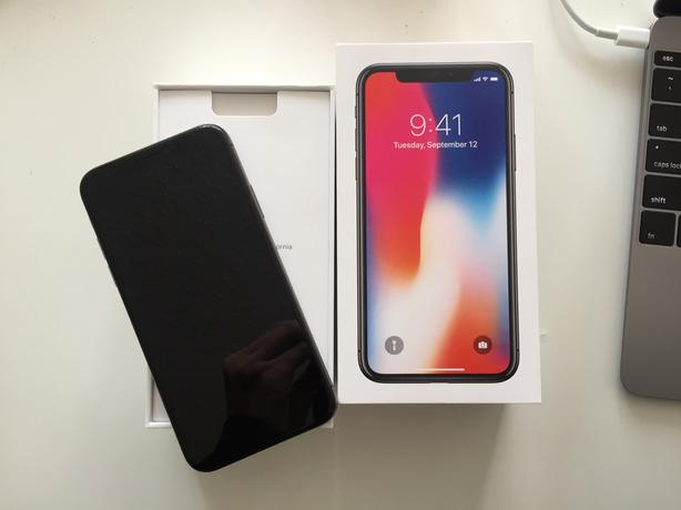 IPhone X 64 GB Space grey + Apple Care+""