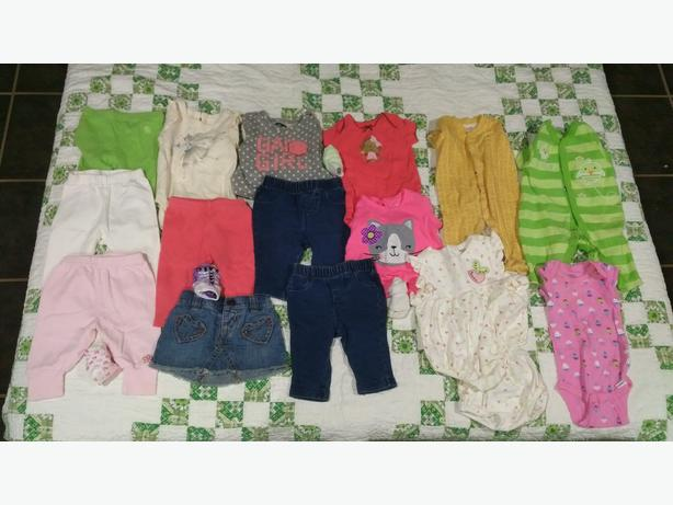 Box of 0-3 months Girls baby clothes