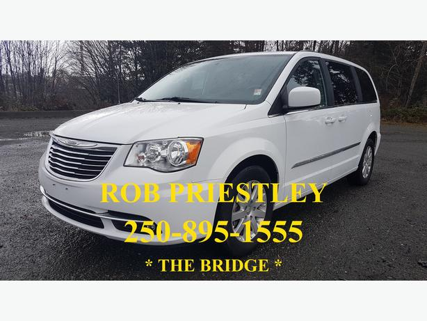 2015 CHRYSLER TOWN & COUNTRY TOURING * ON SALE * THE BRIDGE *
