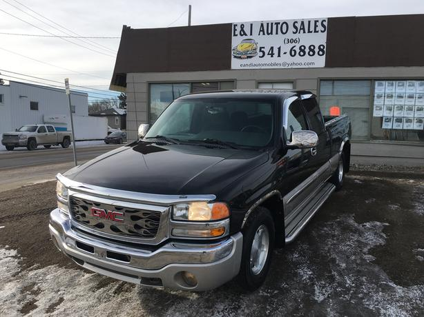 "2004 GMC SIERRA ""SLE"" EXTENDED CAB with Only 162,000 km's"