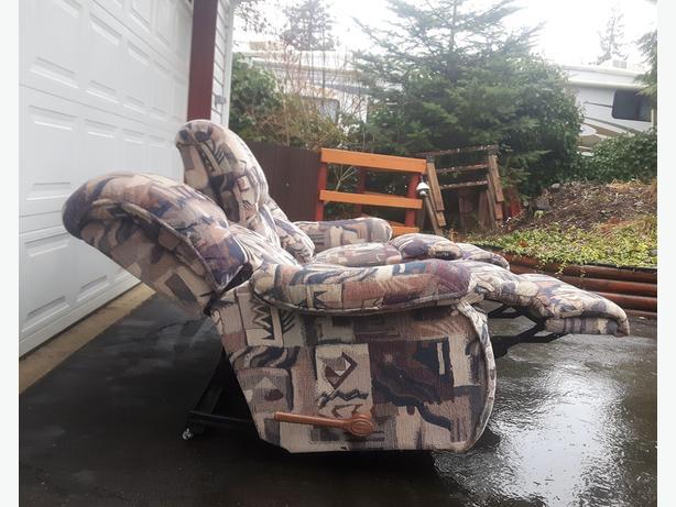 Classic La-Z-Boy Recliner Couch Outside Nanaimo, Nanaimo