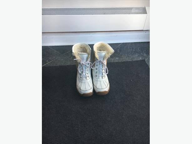 UGG Winter boots-Excellent condition!
