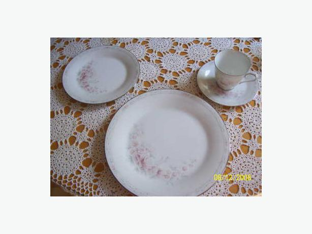 Noritake Carthage china place setting salt pepper cream & sugar etc