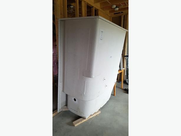 Brand New White Venco Shower/Tub Insert Malahat (including Shawnigan ...