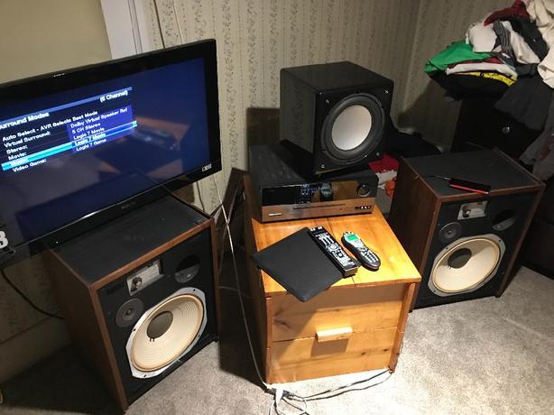 Very Cool Little Home Speaker/Theatre Setup