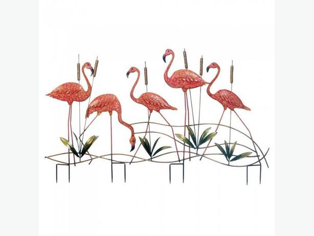 Metal Flamingo Flock Garden Stake with Cattails Brand New