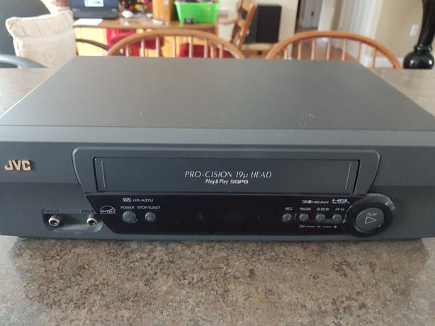 JVC - VCR recorder and Player