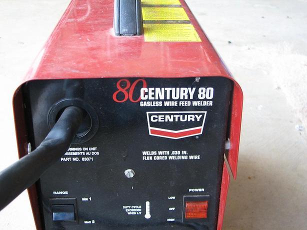 CENTURY WIRE FEED FLUX CORE WELDER 80 MODEL.
