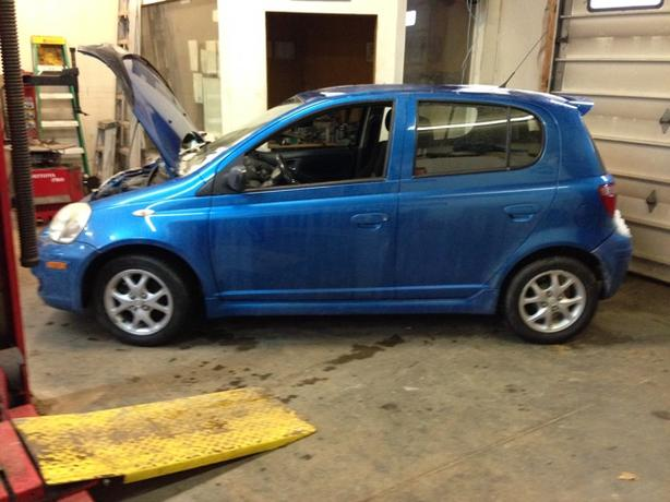 Parting out 2005 Toyota Echo