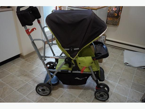 Joovy Caboose Ultralight double stroller with Caboose 2 seat