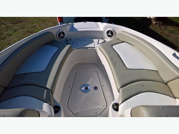 2006 SeaRay Sun Deck 240