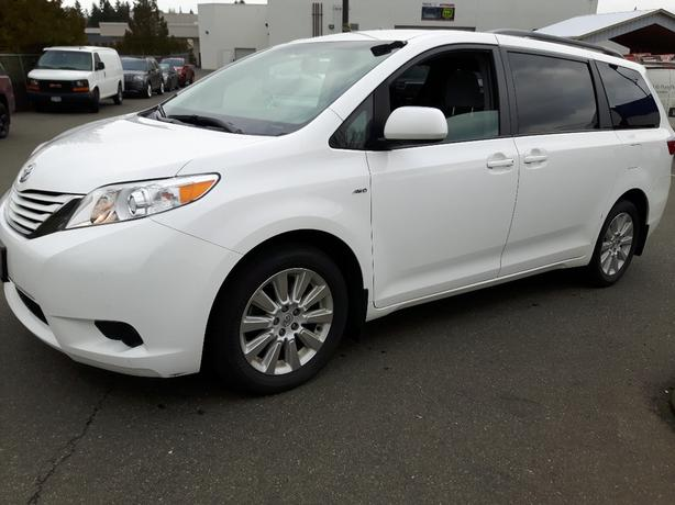 USED 2016 TOYOTA SIENNA LE AWD FOR SALE IN PARKSVILLE