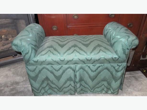 Upholsterd bench