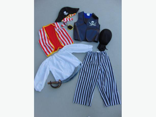 Dress Up Halloween Costume Child Size 4-6 Complete Pirate Set Excellent