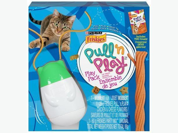 Purina® Friskies® Pull 'n Play™ Play Pack Cat Treats