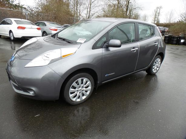 2015 Nissan LEAF S – Quick Charge Package – Backup Camera – 55,638Kms STK#M8653