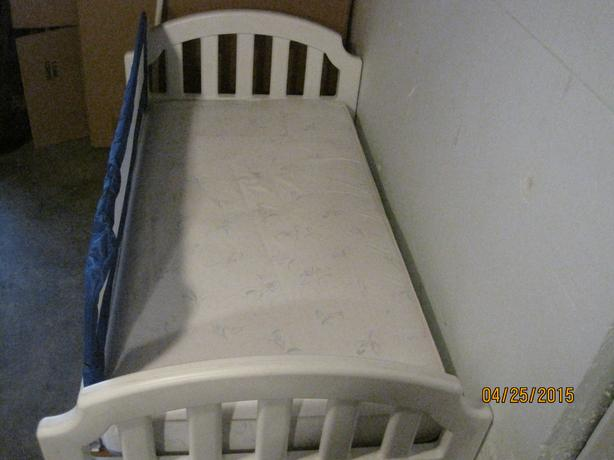 FREE: (Toddler Bed and mattress)