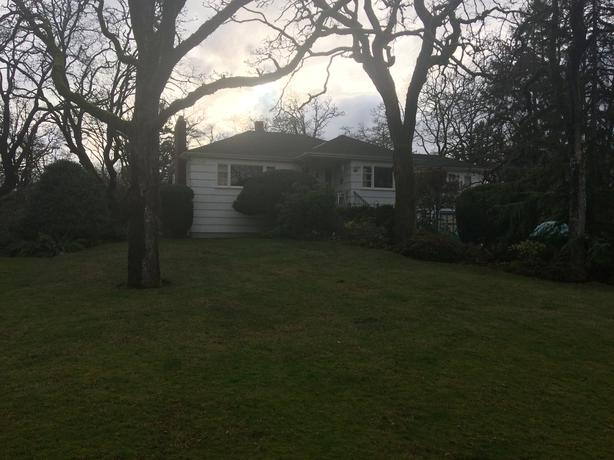 Beautiful older house on 3/4 acre in the middle of Saanich