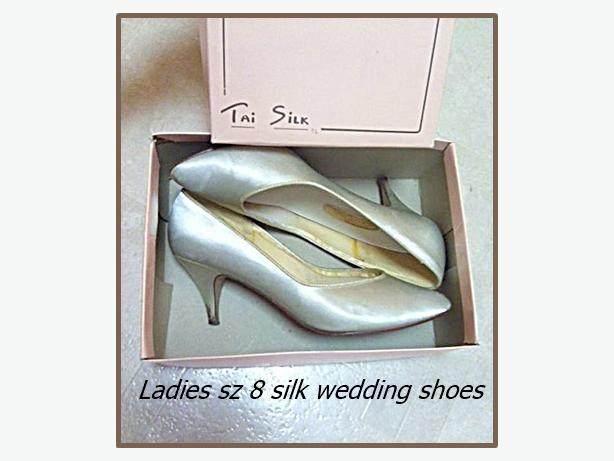 Ladies Size 8 Silver Silk Shoes - Wedding