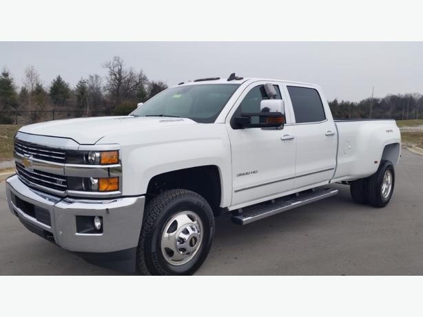 2014 3500HD Duramax Dually has Low Milage