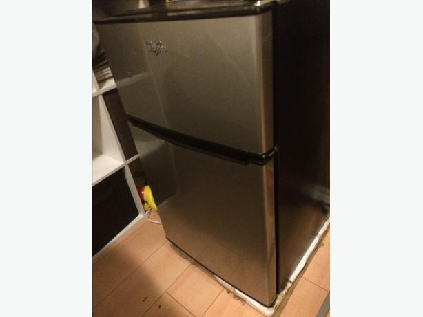 whirlpool mini fridge for sale east regina regina. Black Bedroom Furniture Sets. Home Design Ideas