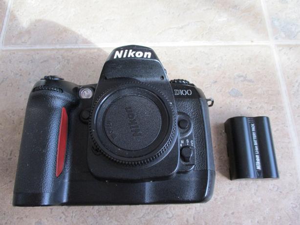 Nikon D100 Body & Battery