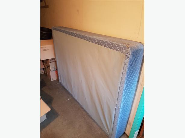 FREE: Double Box Spring