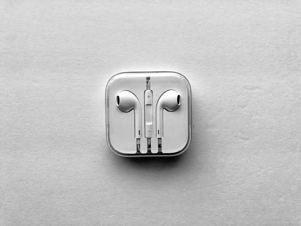 Brand New Apple Headphones 3.5MM