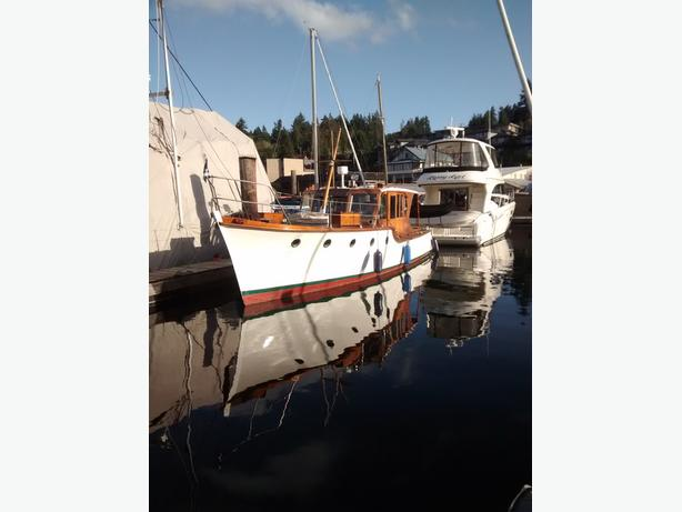 Vintage Motor Yacht
