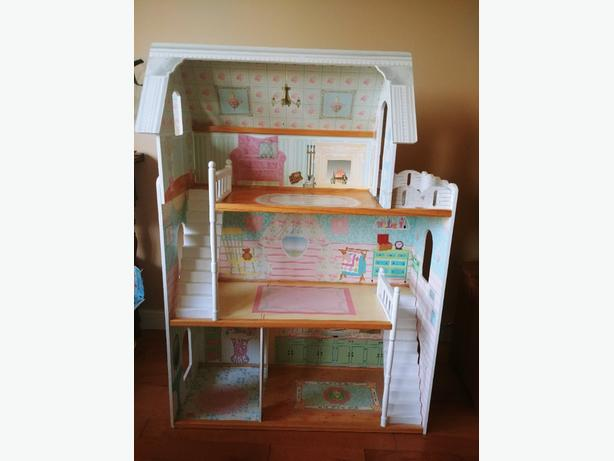 4ft high KidKraft Doll house - 3 levels