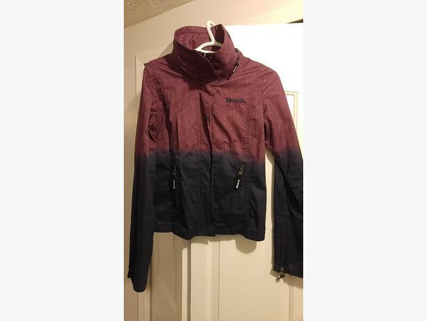bench jacket size medium