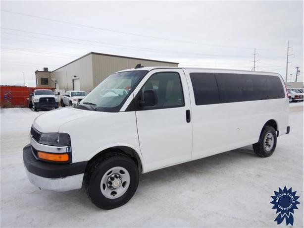 2016 Chevrolet Express Passenger LT