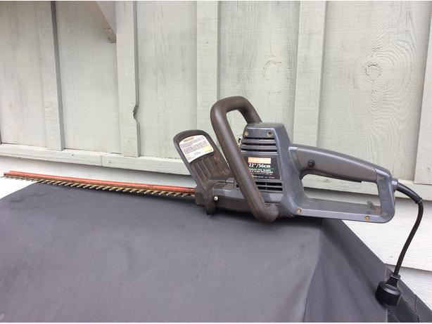 "Craftsman 22"" Electric Hedge Trimmer"