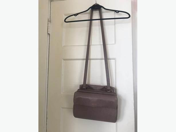 Like new, Matt and Nat crossbody purse