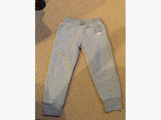 GIRLS BABY GAP GREY SWEAT PANTS 3T