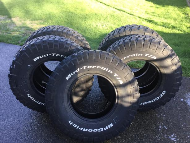 5 BFG KM2 Mud Terrain Tires - 255/85/16