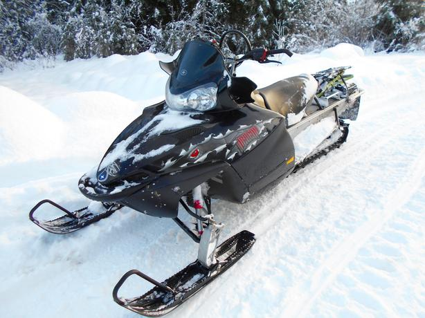 2008 Polaris Dragon 700 snowmobile