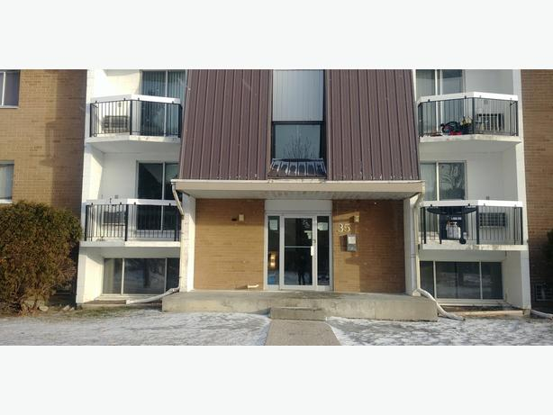 2 Bdrms Apartment for Rent Face to UOFR