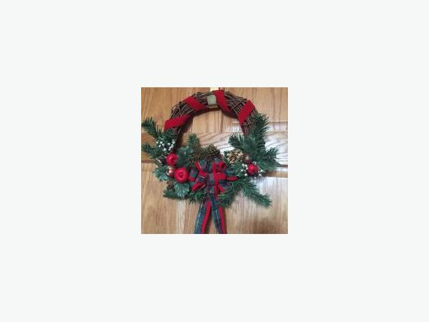 Christmas Wreath & Gold hanger
