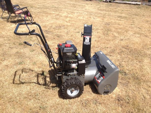 "near new Craftsman 24"" 2 stage Snow Blower"