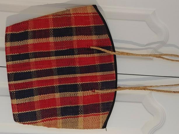 New beautiful Africsn handbag with a zipper