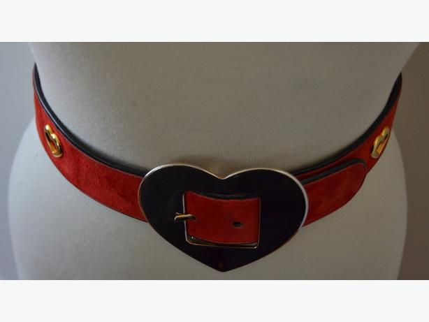 ESCADA VINTAGE RED SUEDE AND GOLD HEARTS BELT SIZE: 38