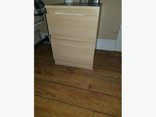Two-drawer chest/night stand