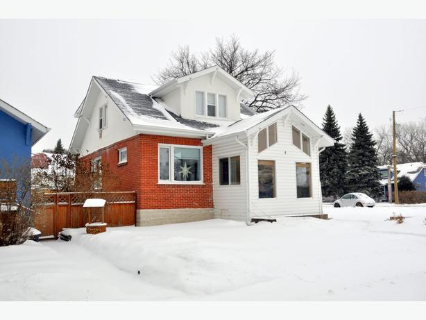 4 Hart Avenue - Professionally Marketed by Judy Lindsay Team Realty